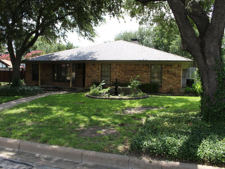3/2/2 with Pool and Flex Room in North Richland Hills